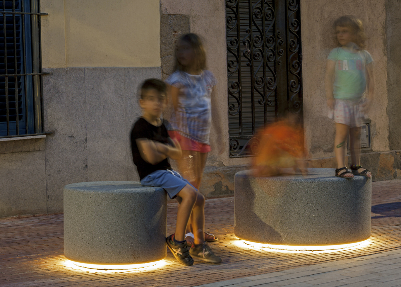 Illuminated Soc backless benches by SCOB Arquitectes at El Masnou, Barcelona