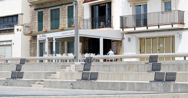 Silla Popular, special element for the seafront of l'Escala, Girona